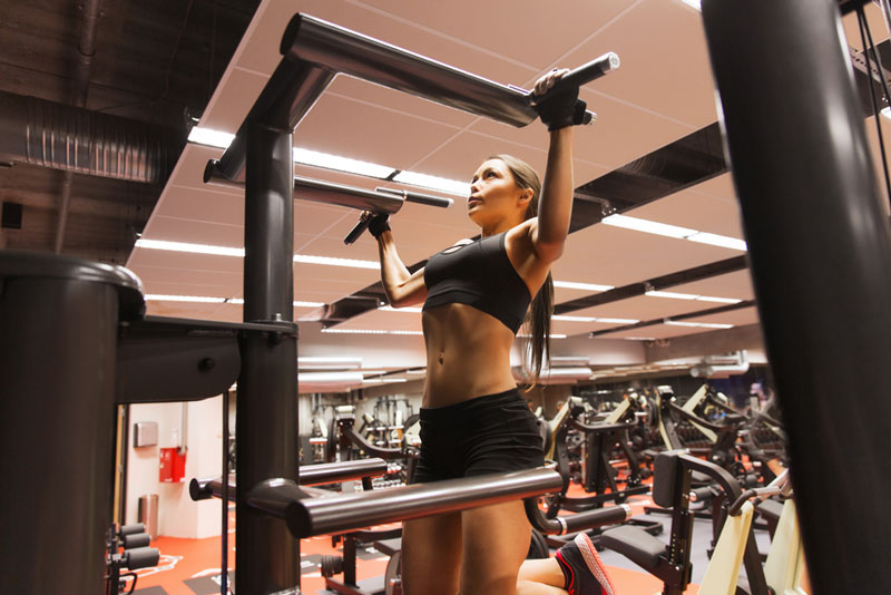 indoor freestanding pull up bar workout