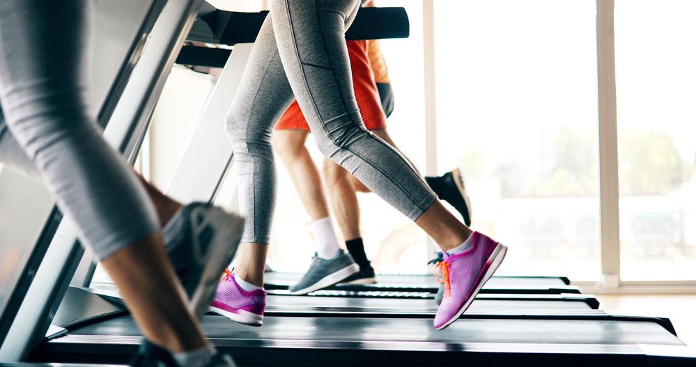 doing a hiit workout on a motorless treadmill